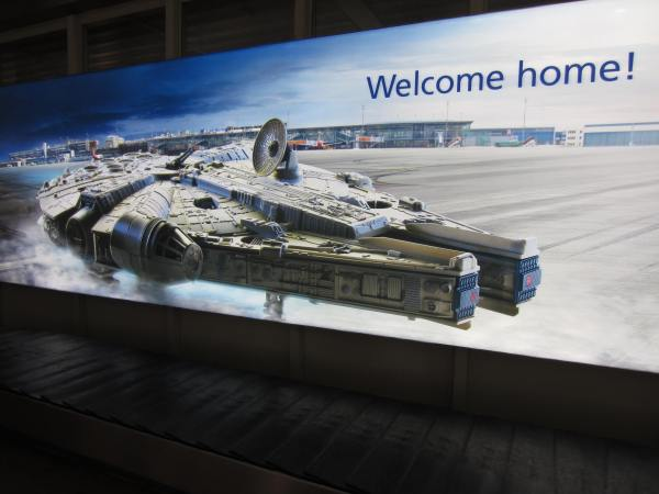 Awesome welcome to the Frankfurt Airport from the Millennium Falcon.