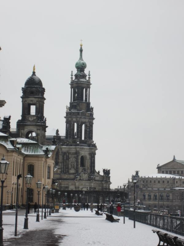 Dresden Walkway Along the River - Picture taken by Joel Bornzin