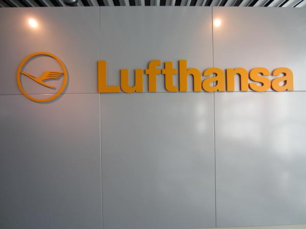 Lufthansa - Picture taken by Joel Bornzin